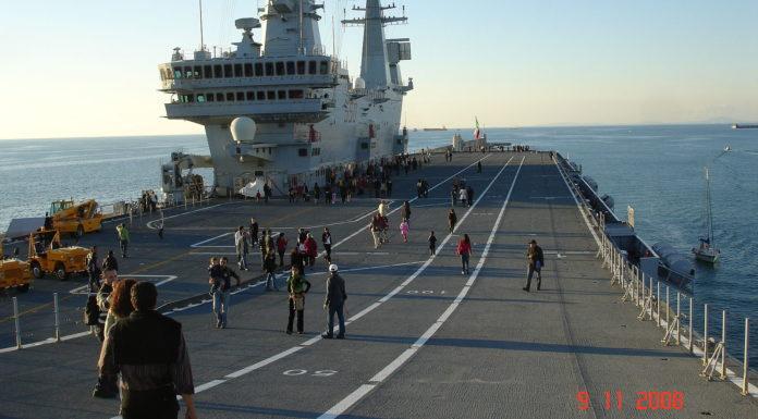 Portaerei nave militare
