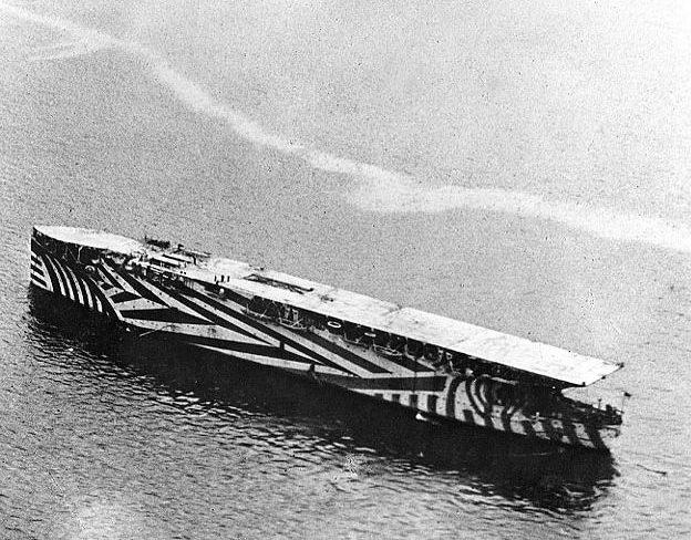 HMS Argus, portaerei con lo scafo del transatlantico Conte Rosso