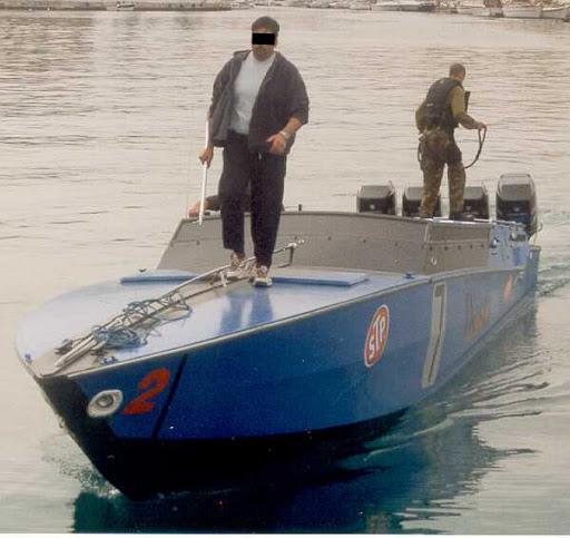 Scafi blu sequestrati dalla Guardia di Finanza