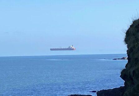 La nave che galleggia in aria: colpa della fata Morgana
