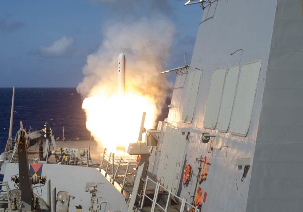 U.S Navy lancio missili Tomahawk Block V