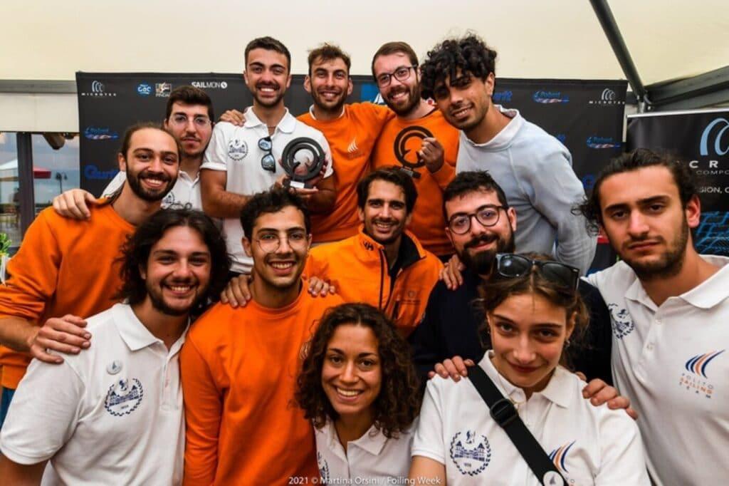 Il Polito Sailing Team del Politecnico di Torino, vincitore della SuMoth Challenge, è stato premiato per innovazione e sostenibilità.