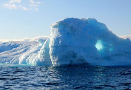 L'iceberg tagging in Groenlandia per studiare lo scioglimento dei ghiacciai