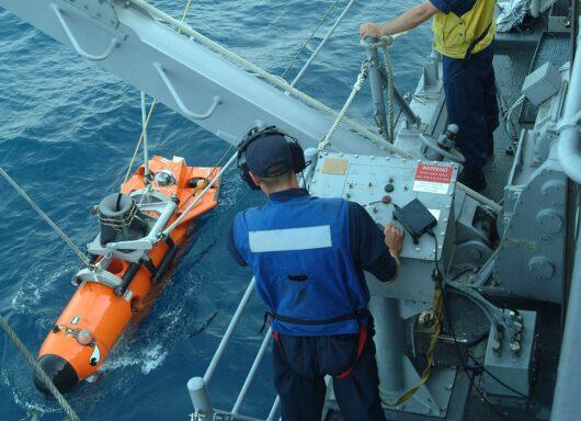 ROV: veicoli a controllo remoto per lavori sott'acqua